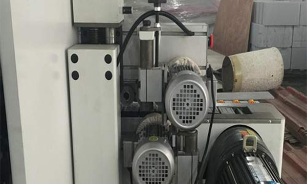 Production process of automatic edge banding machine